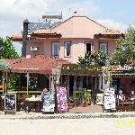 restaurant hotel and bar