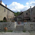 Il Borgo di Mariano - l'ingresso