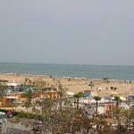 La spiaggia vista dal terrazzo