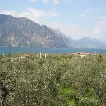 Blick vom Zimmer über den Gardasee (Richtung Norden)
