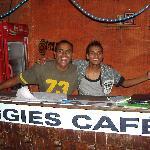Aggie's Cafe resmi