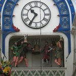Robin Hood mechanical clock - be there on the hour!