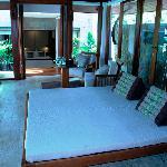 Nakamanda resort jacuzzi villa living room