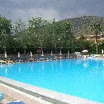 large pool at king minos palace