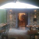 """L'entrée du restaurant """"Le temps des oliviers"""""""
