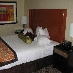 King bed - Shafer Vineyards room (#812)