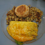 Omlette and country potatoes. GOOD!