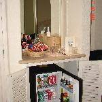 Minibar/Snacks Station