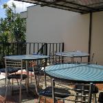 Terrasse pour p'tit déj (entre autres)