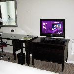 TV/ desk area