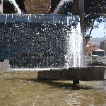 fuente frente a la feria artesanal