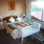 Room 2008 Bed