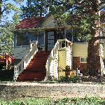 Gilded Pine Meadows B&B exterior front