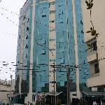 Fachada del Miraflores Colón Hotel