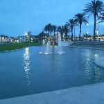 BEACH FRONT FOUNTAINS LA PINEDA