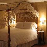 Anna White Room 1