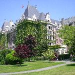 Fairmont Empress Hotel, 35-minute walk