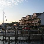 Foto di Captain's Landing Waterfront Inn