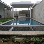 The pool and the gazeboo