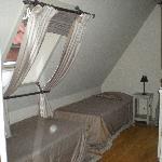 Habitación cuadruple. Las dos camas individuales