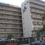front of the hotel, note the inner rooms on the  r/h/s get no sunlight