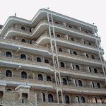 Al Wadi Hotel exterior