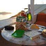 Simple dinner before the sunset - Tip: stop at the mini market for an easy meal