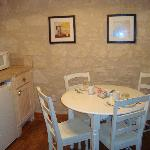 Small eating area - suite 205