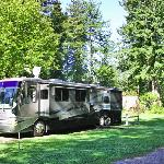 Large full hook-up RV sites
