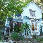 Exterior Pearl Tatman House