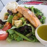 Salmon topped house salad