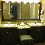 Daisy 1701 Bathroom