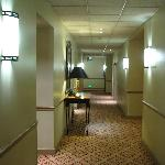 Courtyard Marriott Denver City Centre Fourth Floor Hallway