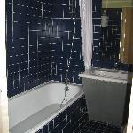 Bathroom 404