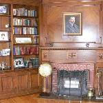 Library with portrait of Dorr Felt