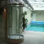Saunas + pool