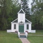 Little white chapel behind the hotel