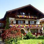 Haus Hahn im Sommer