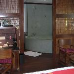 La Residence, Siem Reap (bathroom)