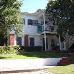 Red Bluff Cottage B&B