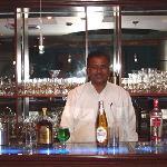 Hotel Raj Continental Bar