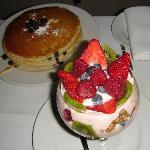 yoghurt parfait in Palms- quite good