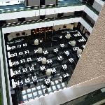 Hotel vu du haut (le restaurant en bas)