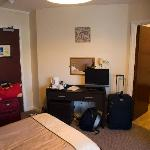 Twin room - amenities and door