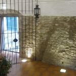 bldg entryway (looking outside)