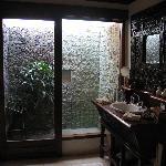 Damai Lovina villa bathroom