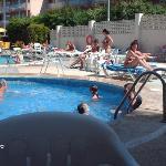 la piscine pour enfants (0,90 cm de profondeur)