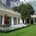 パリで一番広い中庭のあるホテル