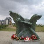 memorial in front of musuem