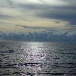 is there a line that separate the sky n sea??
